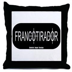 Francotirador Throw Pillow