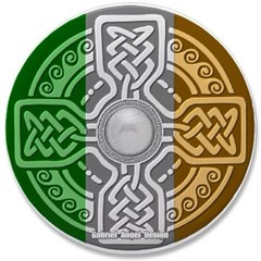 """Celtic Shield Knot with Irish Flag 3.5"""" Button"""