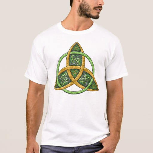 Celtic Trinity Knot Basic T-Shirt