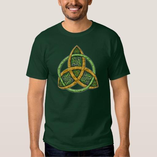 Celtic Trinity Knot Men's Basic Dark T-Shirt