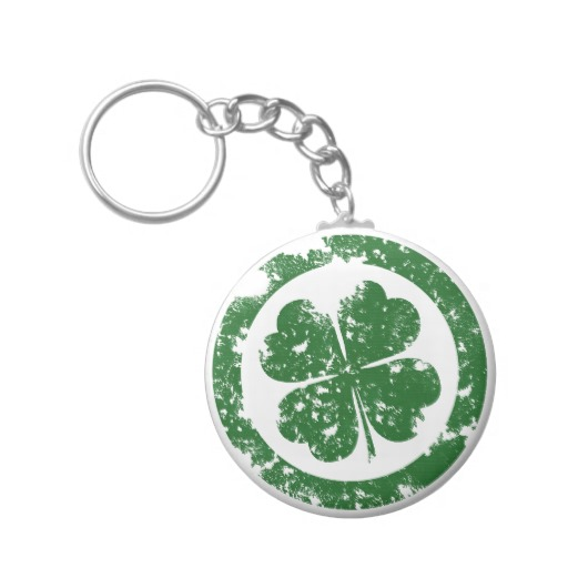 Circled 4 Leaf Clover Basic Button Keychain