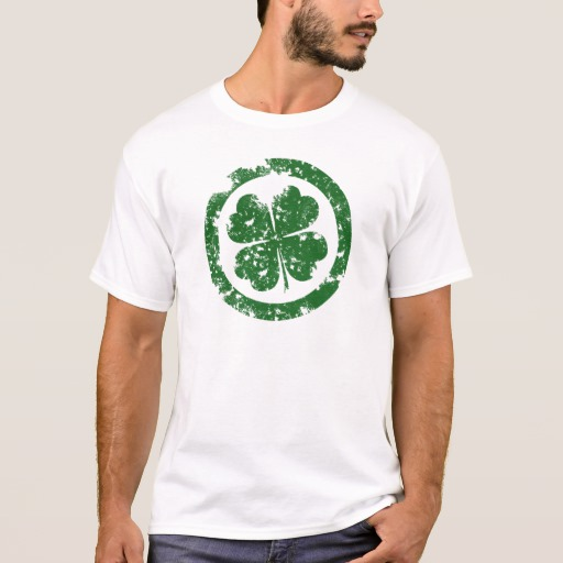 Circled 4 Leaf Clover Basic T-Shirt