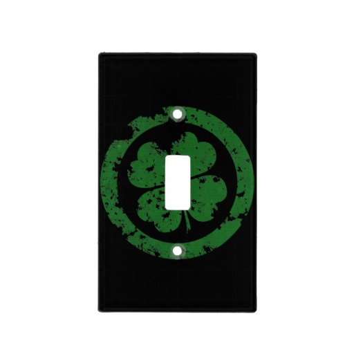 Circled 4 Leaf Clover Light Switch Cover