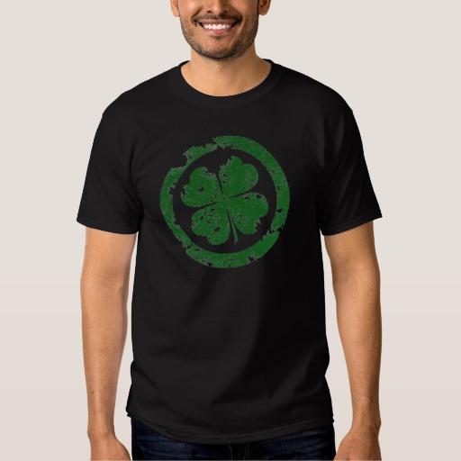Circled 4 Leaf Clover Men's Basic Dark T-Shirt