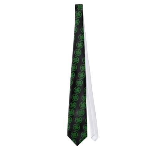 Circled 4 Leaf Clover Tie