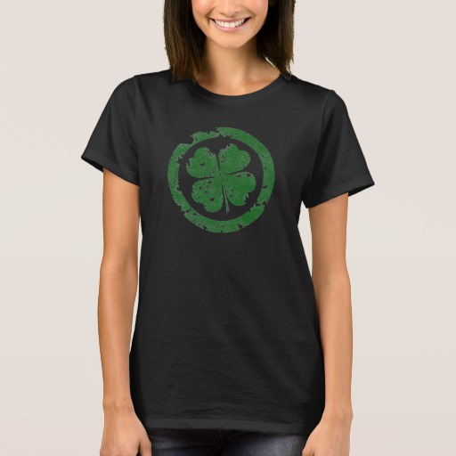Circled 4 Leaf Clover Women's Basic T-Shirt