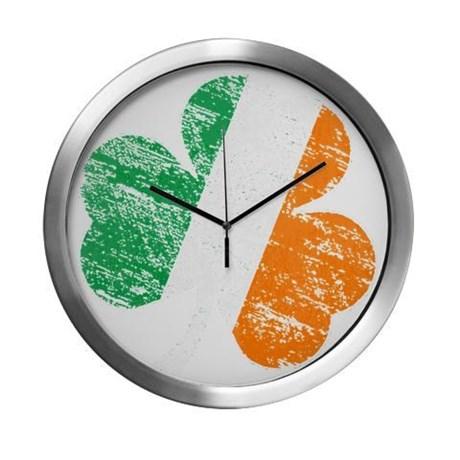 Vintage Distressed Irish Flag Sh Modern Wall Clock