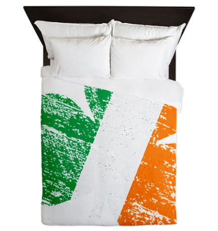 Vintage Distressed Irish Flag Shamrock Queen Duvet